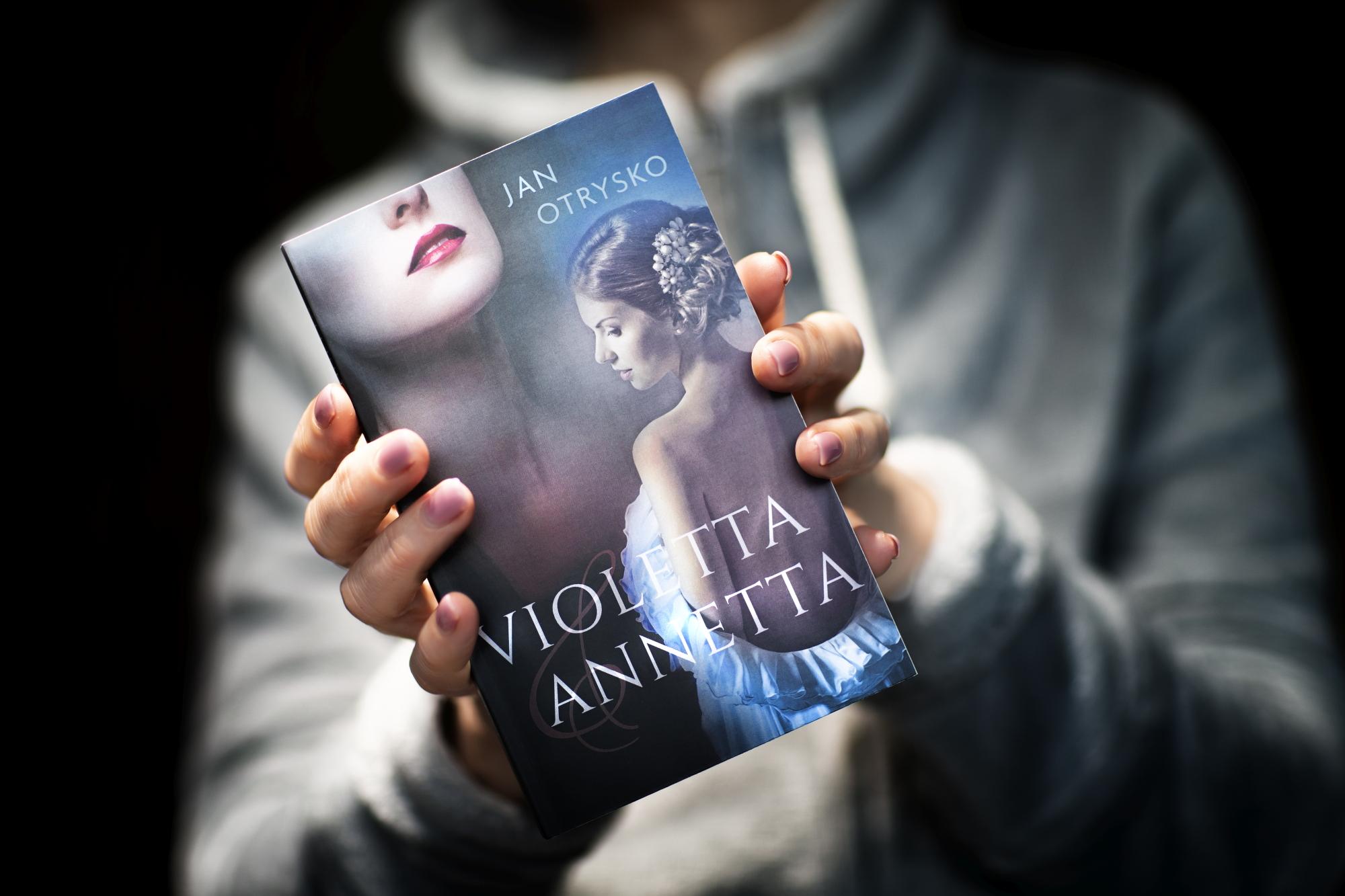 """""""Violetta & Annetta"""" März 2020"""